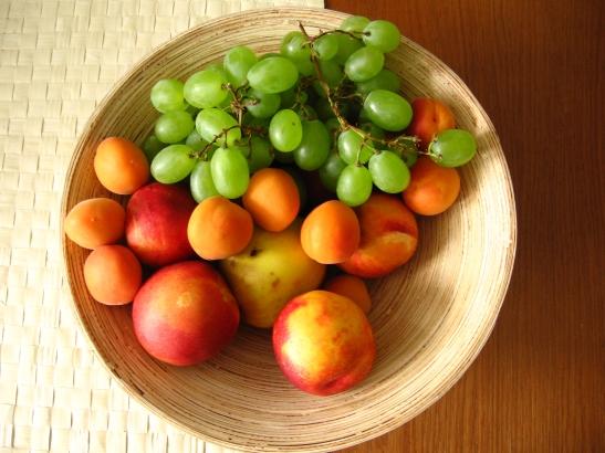 tasty-fruits-1553108